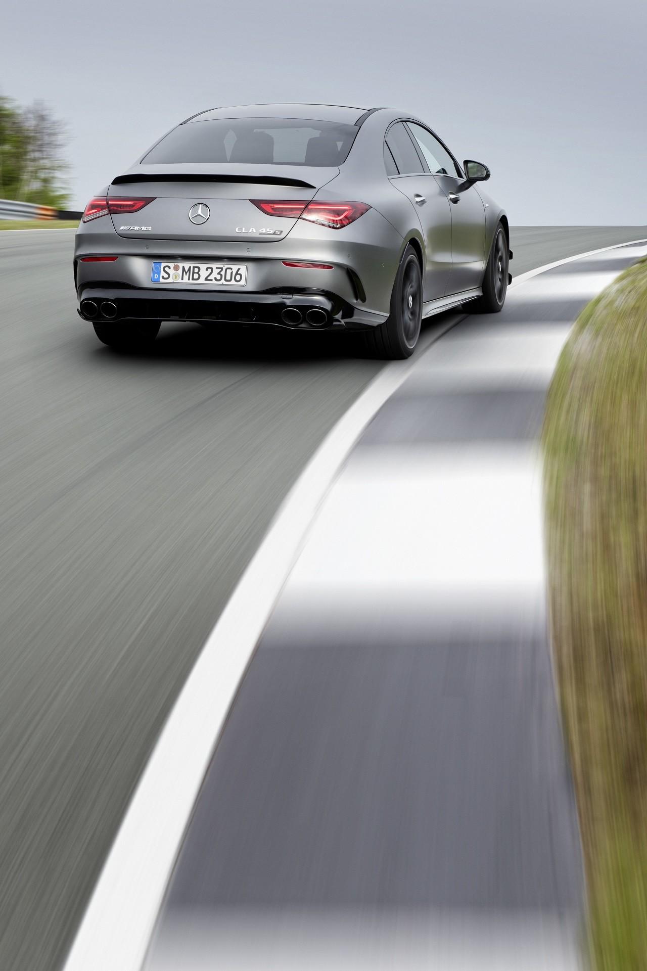 Foto de Mercedes-AMG CLA 45 4Matic (19/38)