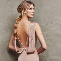 Encuentra el look perfecto de boda con los vestidos de fiesta de Pronovias