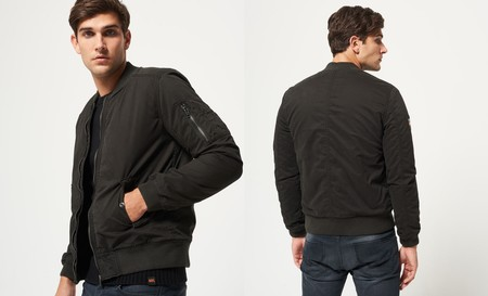 Por 41,95 euros podemos hacernos con la chaqueta para hombre Superdry Rookie Winter Duty Bitter en negro en eBay