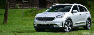 """Kia Niro Plug-in Hybrid, to prove: the plug in your garage is your new """"gas station"""""""