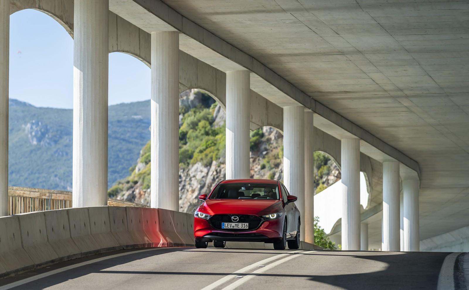 Foto de Mazda3 2019 (70/128)