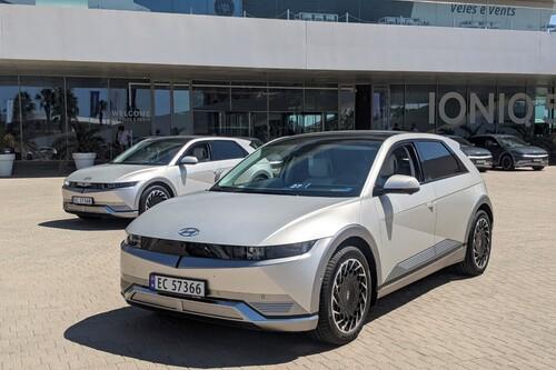 Probamos el Hyundai Ioniq 5: el coche eléctrico con carga ultrarrápida de 800V y grandes argumentos para ser el nuevo eléctrico de referencia