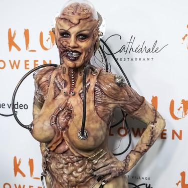 Heidi Klum vuelve a coronarse como la reina de Halloween con un espeluznante disfraz