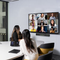 Microsoft 365 pone el foco en el trabajo híbrido: permitirá reservar hot desks y salas compartidas en la oficina con Outlook