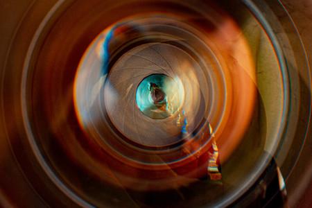 Un 8mm F4 ultra gran angular ojo de pez que puede ver detrás de sí mismo podría llegar a Canon en un futuro