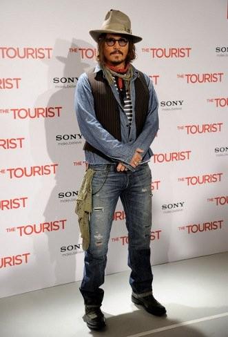 """Los últimos looks de Johnny Depp en la promoción de """"The Tourist"""""""