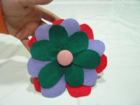 Manualidades divertidas: una flor de fieltro
