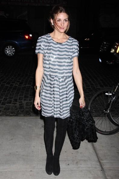 Olivia Palermo con botas de Zara para celebrar con Valentino (y demás socialités)