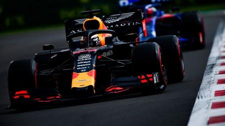 Max Verstappen logra una polémica pole position que le encarrila su triplete de victorias en México