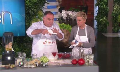 El chef José Andrés nos demuestra que hay otras formas de hacer cocina en televisión