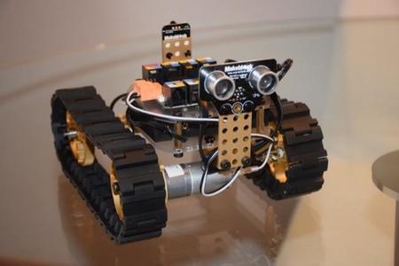Probando el Tanque robot de Makeblock