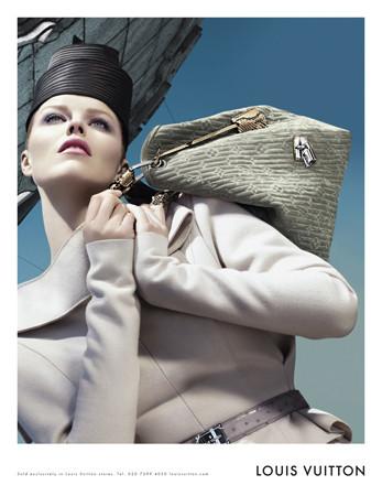 Eva Herzigova para Louis Vuitton campaña Otoño-Invierno 2008/09