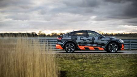 Audi E-Tron S lateral