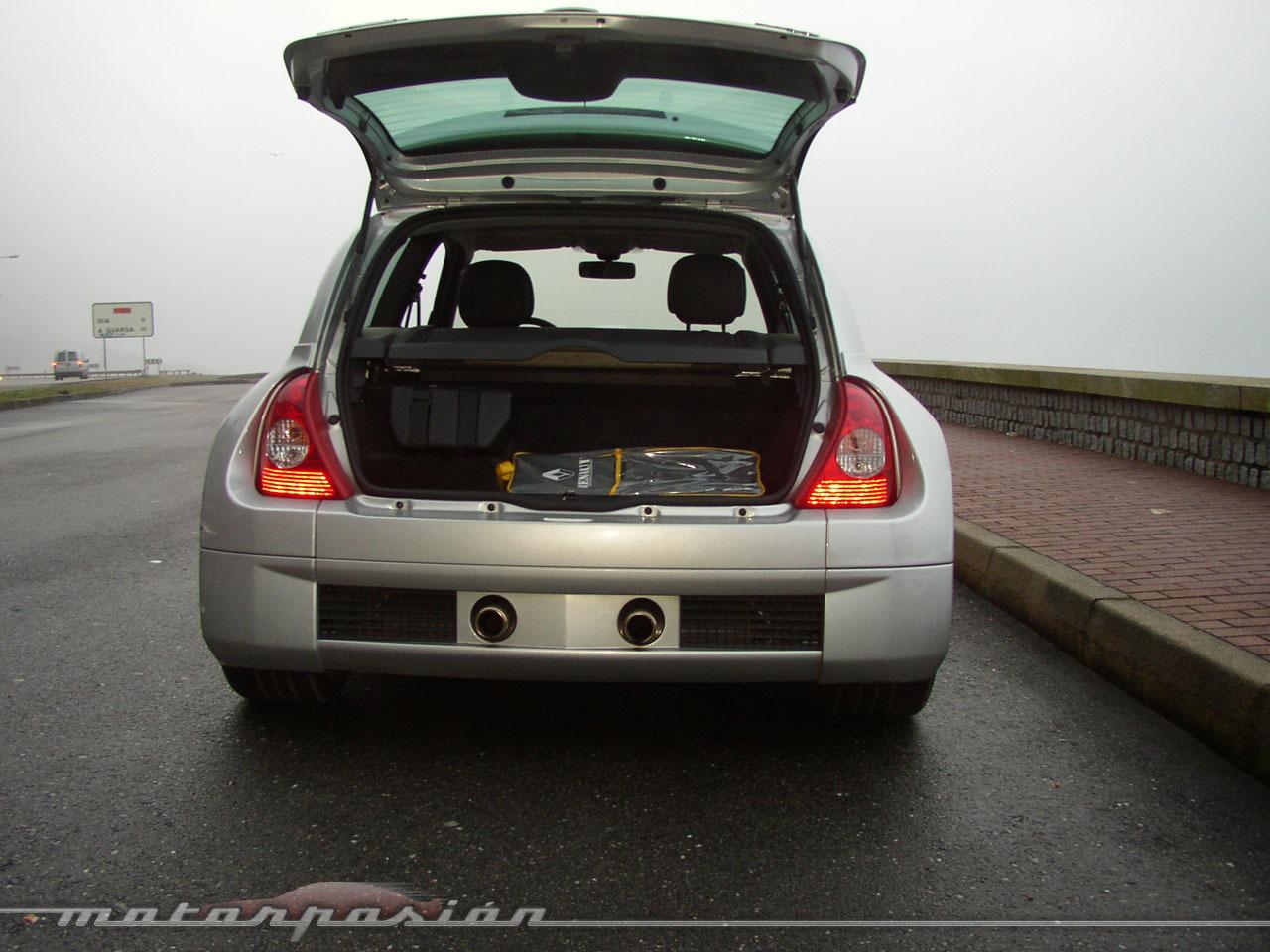 Foto de Renault Clio V6 (9/16)