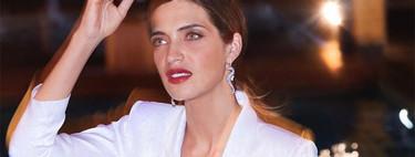 Sara Carbonero opta por el traje blanco para crear un look de fiesta y te presentamos tres alternativas perfectas