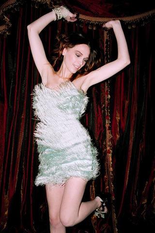 Foto de TopShop y las famosas con más estilo nos visten esta Navidad con los mejores vestidos (7/10)