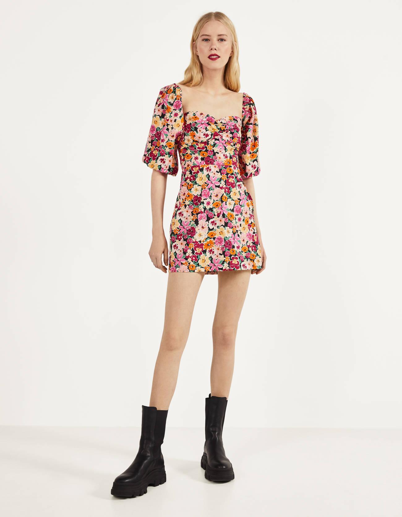 Ideal vestido de flores de colores