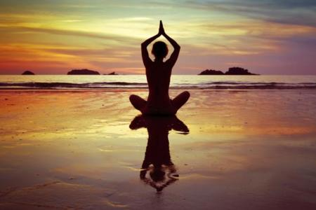 Naked Yoga: deja la ropa en la puerta