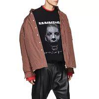 ¿La última broma de Vetements? Venderte una camiseta de Rammstein por más de treinta veces su precio