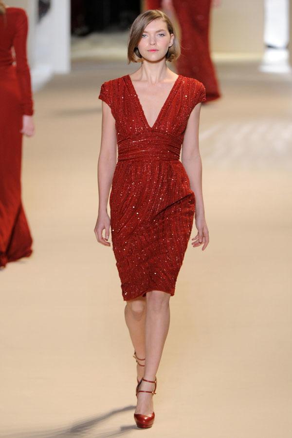 Foto de Elie Saab Otoño-Invierno 2011/2012 en la Semana de la Moda de París: la alfombra roja espera (7/32)