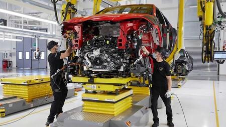 Lamborghini Urus Record 15000 Unidades 3