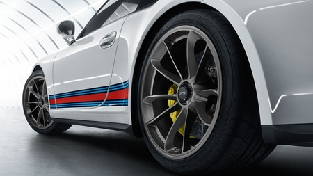 Porsche 911 Martini 1