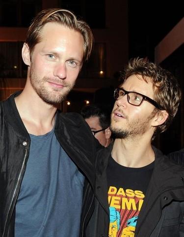 Ehhh... ¿Alexander Skarsgard y Ryan Kwanten dándose el lote?