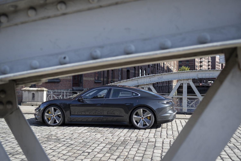 Foto de Porsche Taycan prueba contacto (66/275)