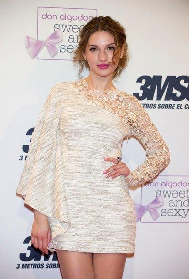El estiloso look de María Valverde en la premiere de Tres Metros sobre el cielo