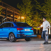 Con este Audi Q3 no hace falta aparcar en la puerta, puedes llegar en patinete