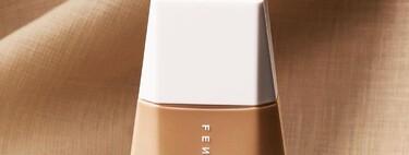 Rihanna nos ha escuchado y lanza Eaze Drop: una base de maquillaje ligera ideal para las pieles secas que ya hemos probado