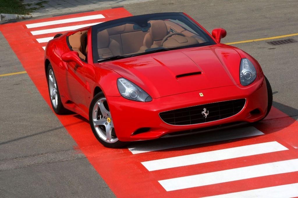 Foto de Ferrari California (7/50)