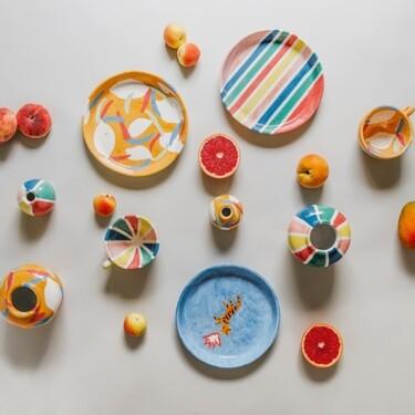 Compañía Fantástica da el salto del textil a la deco y lanza su primera colección de cerámica pintada a mano