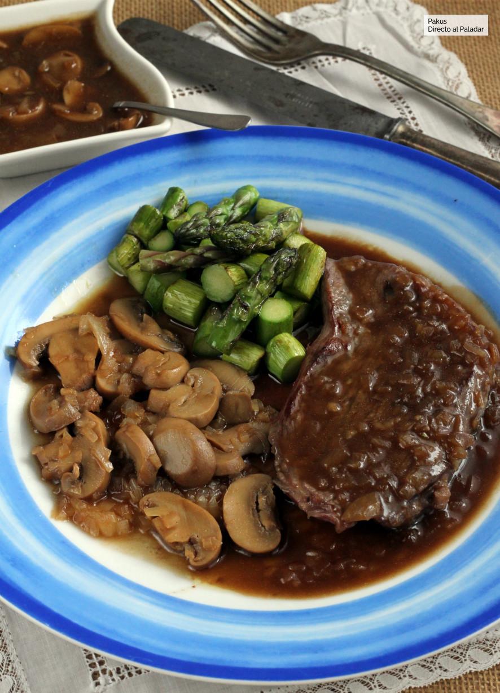 Cómo hacer salsa cazadora, receta idónea para platos de carne