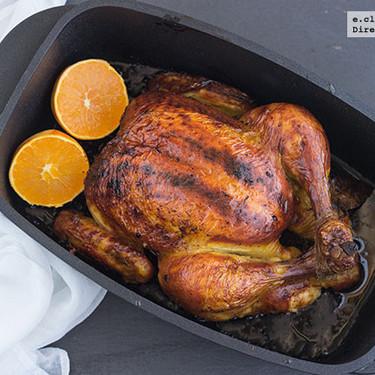 Pollo asado con cítricos y sirope de arce: receta de un clásico con un toque diferente