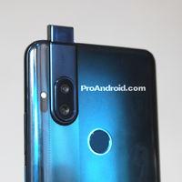 Filtrado al completo un nuevo Motorola todo pantalla con cámara de 64 megapíxeles y mecanismo pop-up