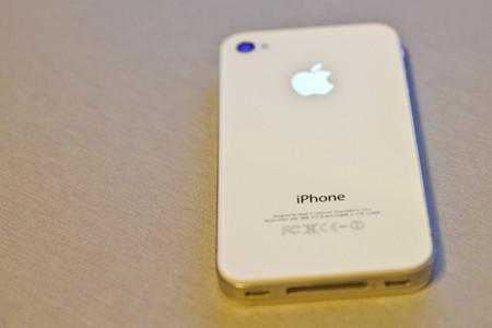 El día que Apple retrasó el lanzamiento del iPhone 4 de color blanco, ¿ocurrirá lo mismo con los AirPods?