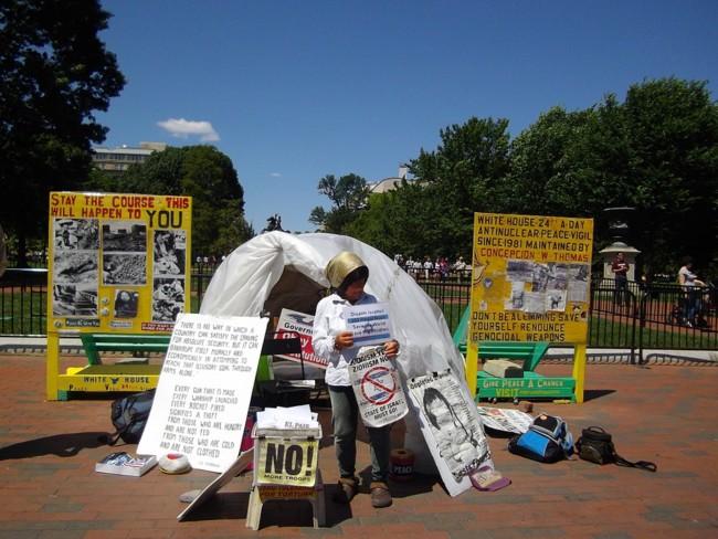 Protester 49358 960 720