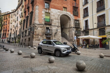 Dacia Spring, lo hemos probado: el coche eléctrico más barato del mercado convence y es práctico