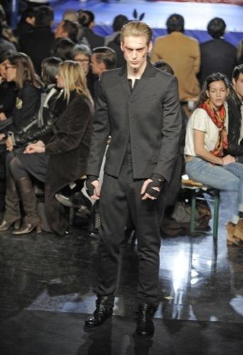 Jean Paul Gaultier, Otoño-Invierno 2010/2011 en la Semana de la Moda de París. Traje