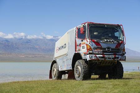 Dakar 2013: más camiones con el Hino 500 de los Sugawara