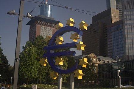 """Salvando al euro """"cueste lo que cueste"""": el plan de los 750 mil millones de euros"""