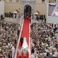 Foto 15 de 19 de la galería todas-las-imagenes-del-vestido-de-novia-de-charlene-wittstock-en-su-boda-con-alberto-de-monaco en Trendencias