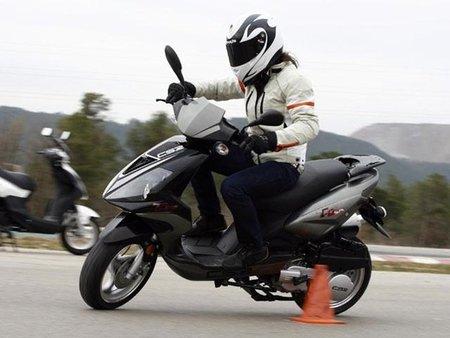 Ya no hay remedio: se eleva la edad para conducir ciclomotores a los 15 años