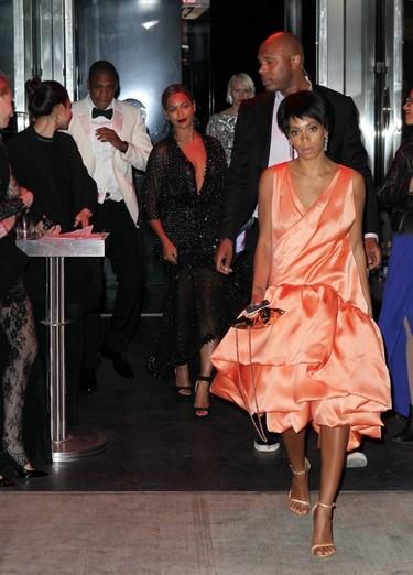 Y por fin llegaron las explicaciones del movidón de Solange y Jay-Z