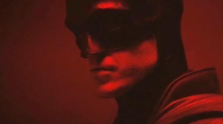 El Batman de Robert Pattinson tiene primeras imágenes oficiales y ya hay teorías de todo tipo