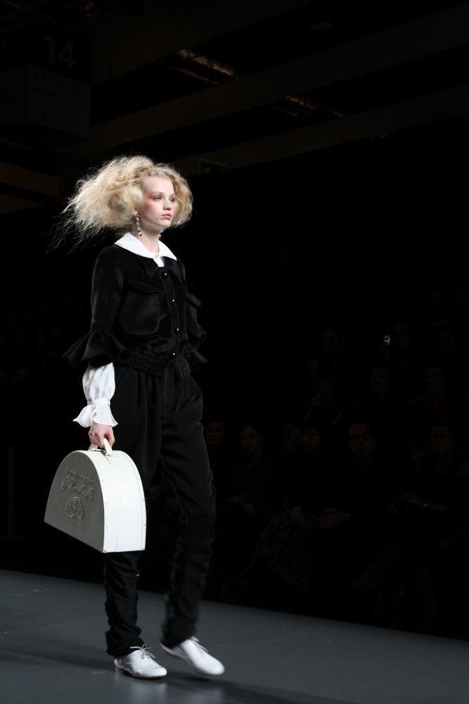Foto de Alma Aguilar en la Cibeles Madrid Fashion Week Otoño-Invierno 2011/2012 (65/126)