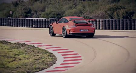 Si babeaste con el Ferrari 488 GTB, espera a ver este vídeo del Porsche 911 GT3 RS