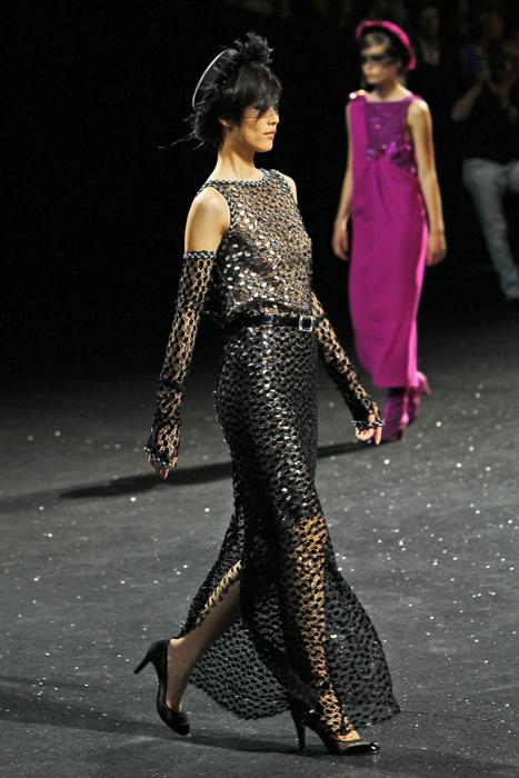 Foto de Todas las imágenes de Chanel Alta Costura Otoño-Invierno 2011/2012 (15/22)