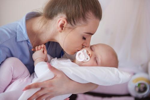 El uso del chupete en bebés pone en riesgo la lactancia materna exclusiva durante 6 meses